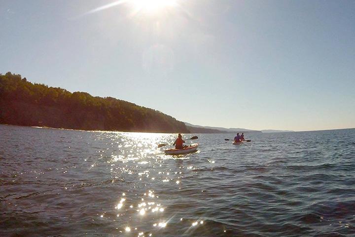Kayak-dans-la-baie